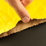 Díky výseku se papírové pytle lépe otevírají.